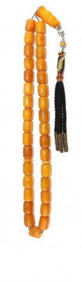 Medium to large size, Antique look natural amber set of 33 beads.